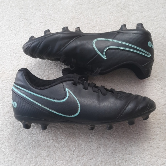 detailed look 990e9 cd311 NIKE Tiempo black Baseball Soccer cleats size 1